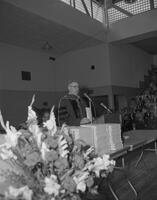 President Crawford delivering commencement address. Mankato State College. 1961-10-13.