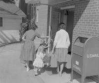 Moving in at Mankato State College, 1962-09-24.