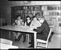 Students in Lincoln Library, Mankato State College 1961-09-30.