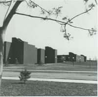 A black-and-white picture of the Mankato State University Trafton Science Center, 1980s.