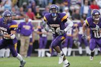 Minnesota State University, Mankato Football|2004 Football Action|8-26-04-BSU|Fowler|Adams Michael 04B