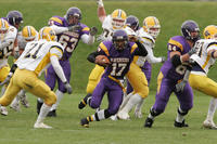 Minnesota State University, Mankato Football|2004 Football Action|10-30-04-AC|Fowler|Treasure Sean 04EB
